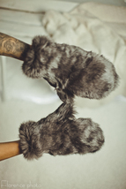 Real Rabbit Fur Mittens (Gray)/Mitaines En Fourrure De Lapin (Gris) - $58.65
