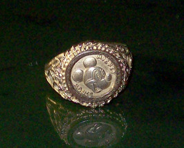Vintage Disney Mickey Mouse Limited Edition Ring Size 9 - $50.00