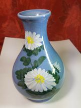 VINTAGE HANDPAINTED WHITE FLOWERS ON BLUE VASE MADE EXCLUSIVELY FOR WOOLWORTH'S image 5