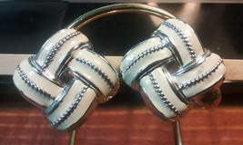 """Vintage Jewelry:1 """" White Woven Clip On Earrings 01-23-2019 - $8.99"""