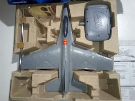 AIR HOGS RC F-16 FALCON FIGHTER RADIO CONTROL AIRPLANE (TARGET EXCLUSIVE) image 5