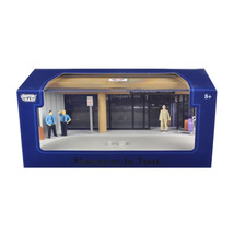 Diorama Airport Scene Place Your Own Car Inside 1/43 by Motormax 73864N - $33.95