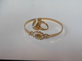 AVON Vintage Gold-tone Cameo Floral Ceramic Bracelet and Matching Ring - $25.74