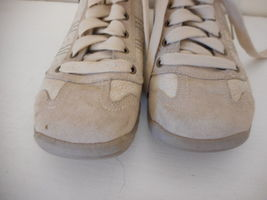 Skechers Sz 9 Womens Beige Athletic Shoes Sneakers Leather upper lace up image 3