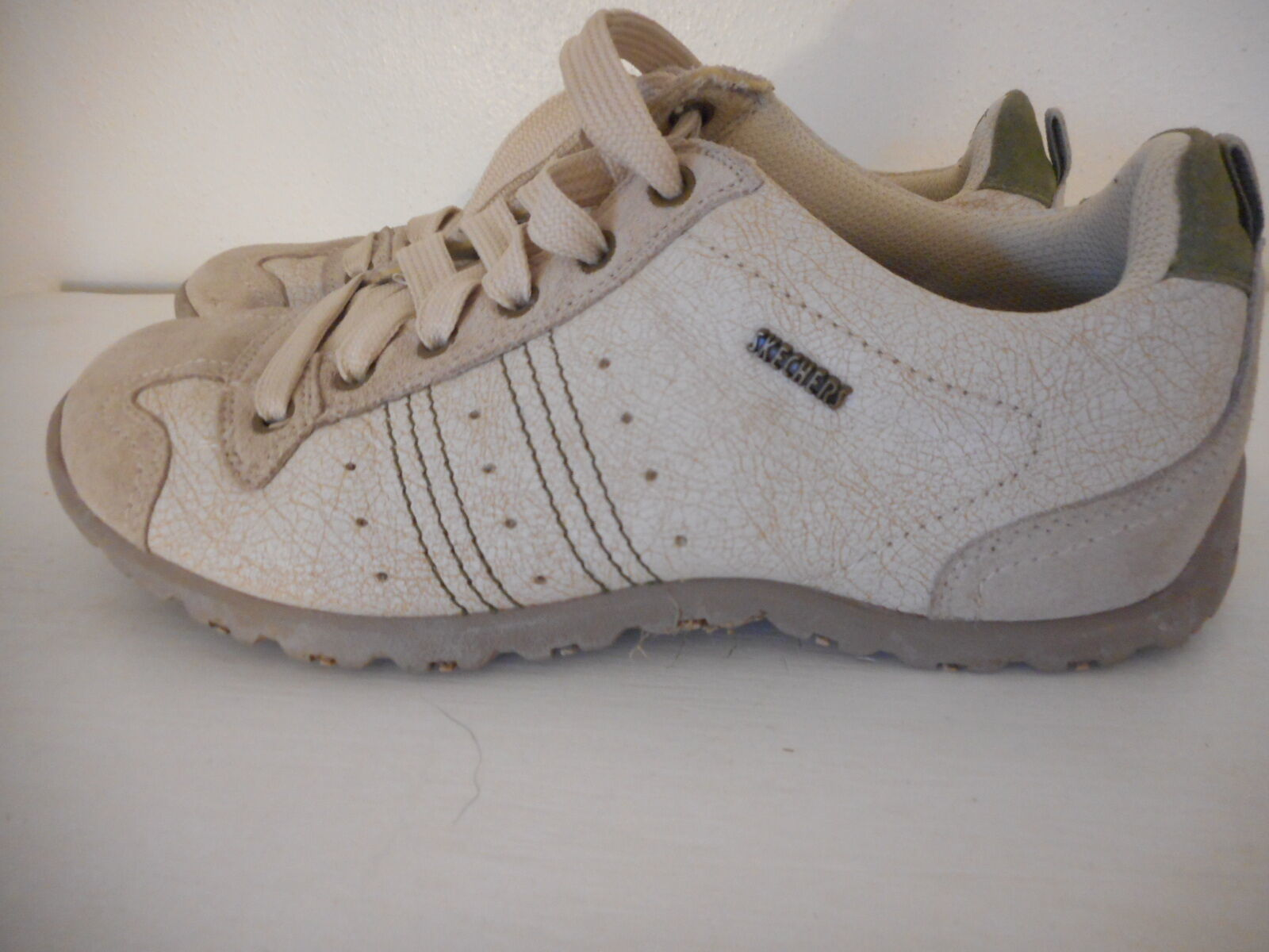 Skechers Sz 9 Womens Beige Athletic Shoes Sneakers Leather upper lace up image 4