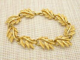 """Napier Patent Pending Leaf Link Gold Tone Bracelet 7.5"""" Length Vintage - $13.86"""
