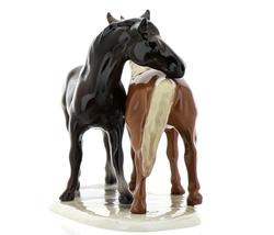 """Hagen-Renaker Specialties Ceramic Horse Figurine """"Best Friends"""" Grooming Horses image 3"""