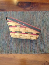 VINTAGE LONGABERGER SIGNED HANDWOVEN SLOPED BASKET. RED & GREEN WOVEN TR... - $9.85