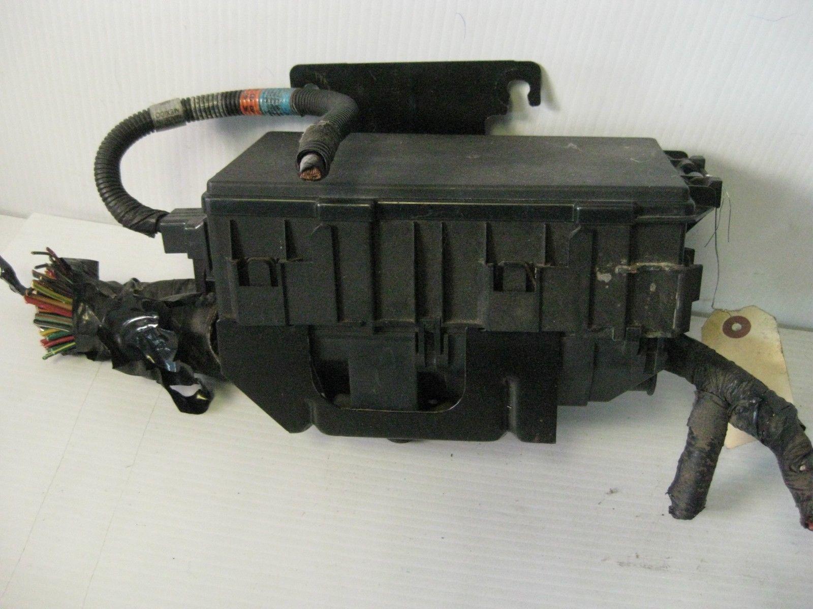 Ford Windstar Lx 2003 Engine Fuse Box Oem