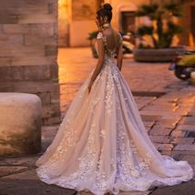 Vogue Fashion Pearl Appliques Lace Floral O-neck Cap Sleeve Backless Bridal Gown image 2