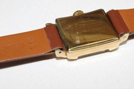 Baylor Swiss made vintage mechanical watch 17 jewels 10k gold filled image 3