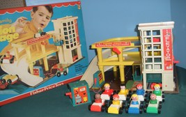 Vintage Fisher Price #930 Garage Complete + Box + Bonus/EXC+++  (T) - $235.00