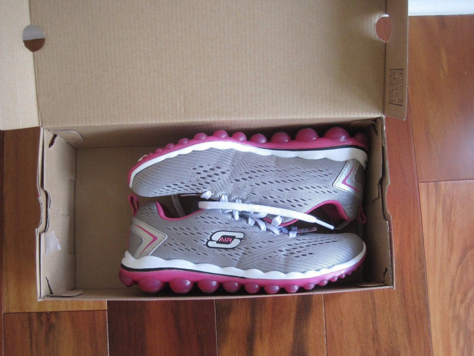 "BNIB Skechers® Women's ""Skech-Air 2.0"" Aim High Training Shoes, grey/pink, $85"