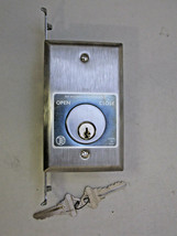 FKM-5 Surface Mounted Ope/Close Automatic Gate Opener Switch With KEYS  ... - $40.00