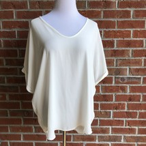 Francesca's Alya Ivory V-neck Hi-Lo Back Rolled-Sleeve Back-Seam Top - S... - $14.54