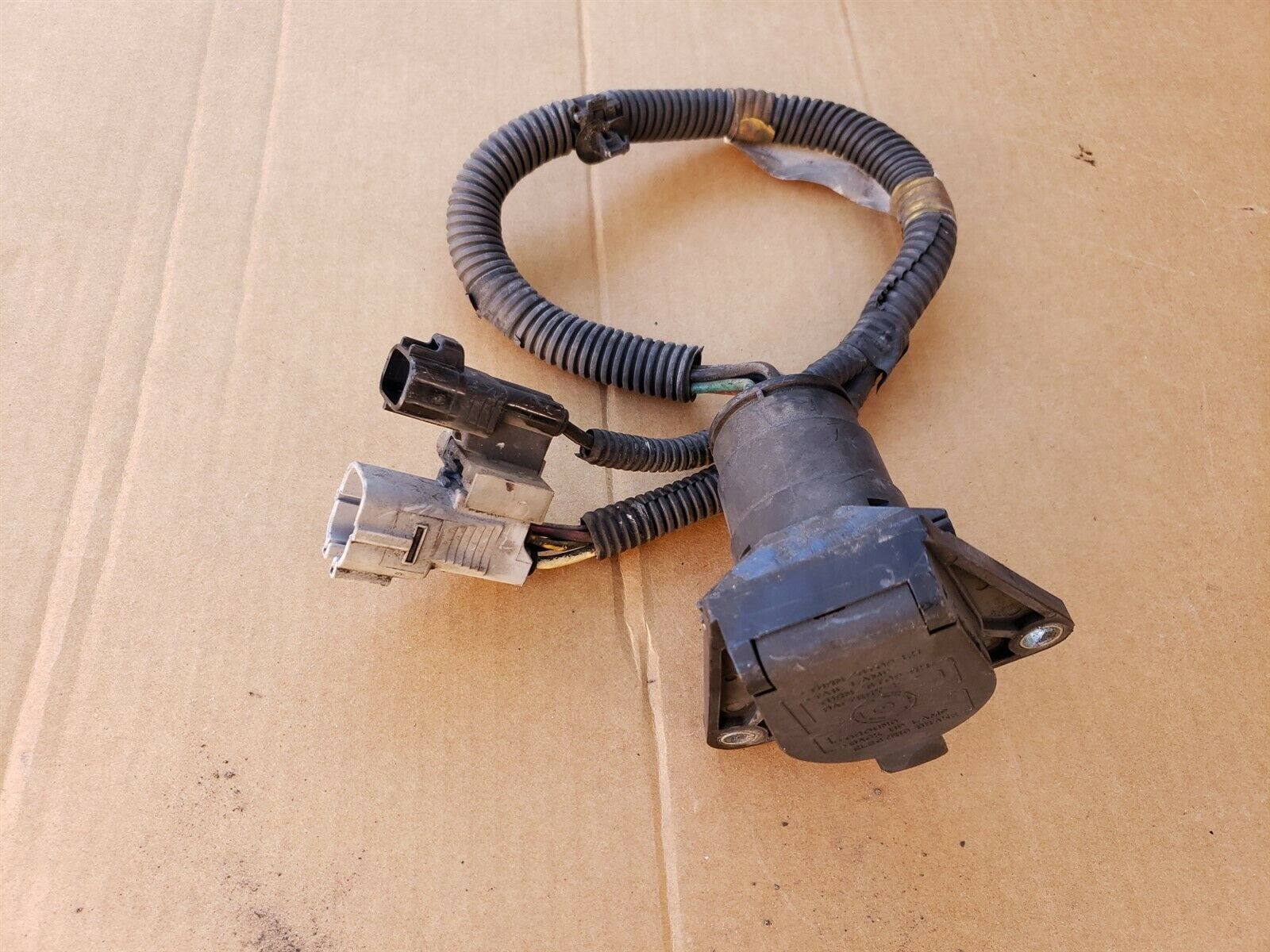 04-07 Toyota Sequoia Wire Frame Tow Trailer Hitch Wiring Harness 7-pin