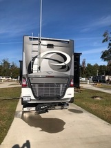 2017 Fleetwood DISCOVERY LXE 40G Class A For Sale In CYPRESS, TX 77433 image 3