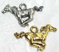 MUSTANG RUNNING HORSE FINE PEWTER PENDANT CHARM - 2.5mm L x 19mm W x 27mm D