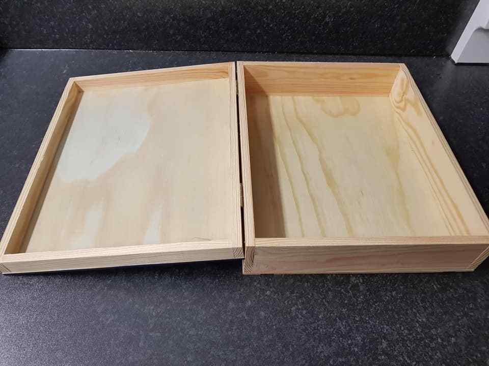 CLOS DES LUNES Wooden Wine Box - Ideal wedding card box / table display box