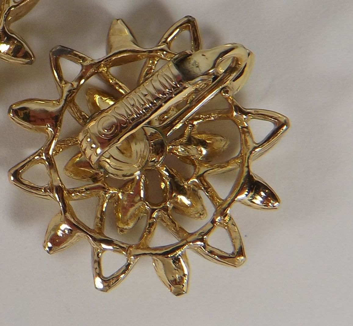 VINTAGE SIGNED SARAH COVENTRY DOUBLE STAR  SHAPED CLIP ON EARRINGS