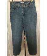 Lee Women's Classic Fit Straight Leg Blue Jeans Size 8 Med (29 x 31) - $13.95