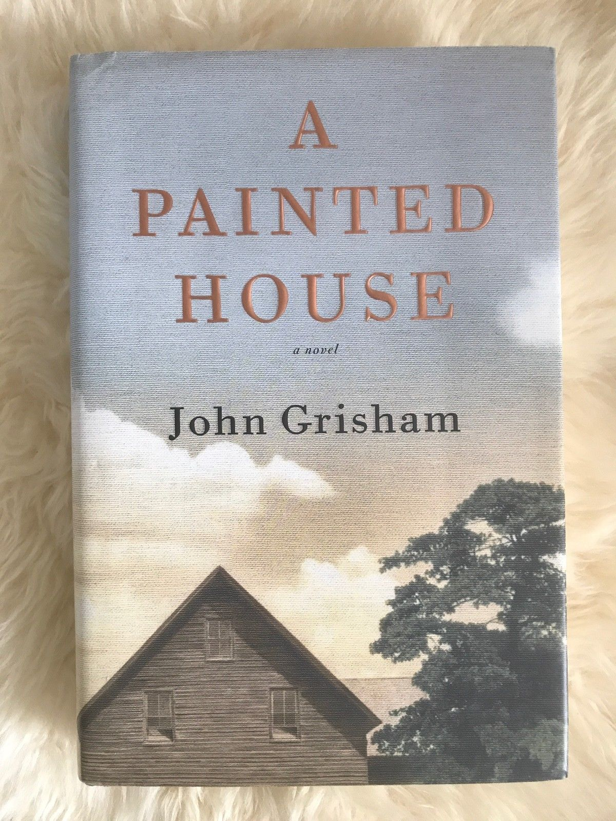 a painted house john grisham John grisham's engrossing new coming-of-age novel should banish any notion that his talent is limited to writing legal thrillers set in the low, cotton-growing flatlands of northeastern arkansas in 1952, a painted house chronicles two months in the life of seven-year-old luke chandler before the.