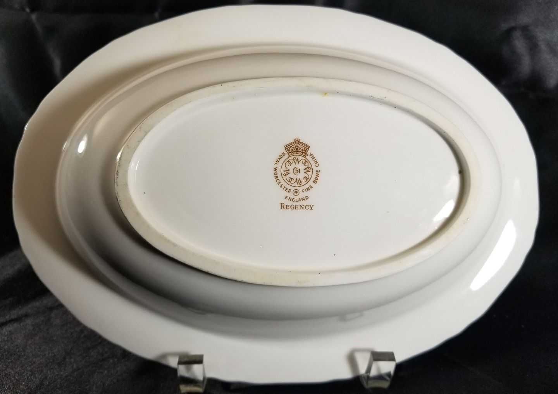 """Royal Worcester REGENCY BLUE Oval Vegetable Bowl 10 5/8"""" x 7 5/8"""""""