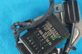 Mercedes Benz 300CE Seat Belt Presenter Retractor & Relay 88-93 R/H image 4