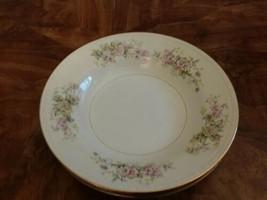 Set 4 Vtg  Soup Bowls Homer Laughlin Goergian Flowers Gold Trim - $18.00