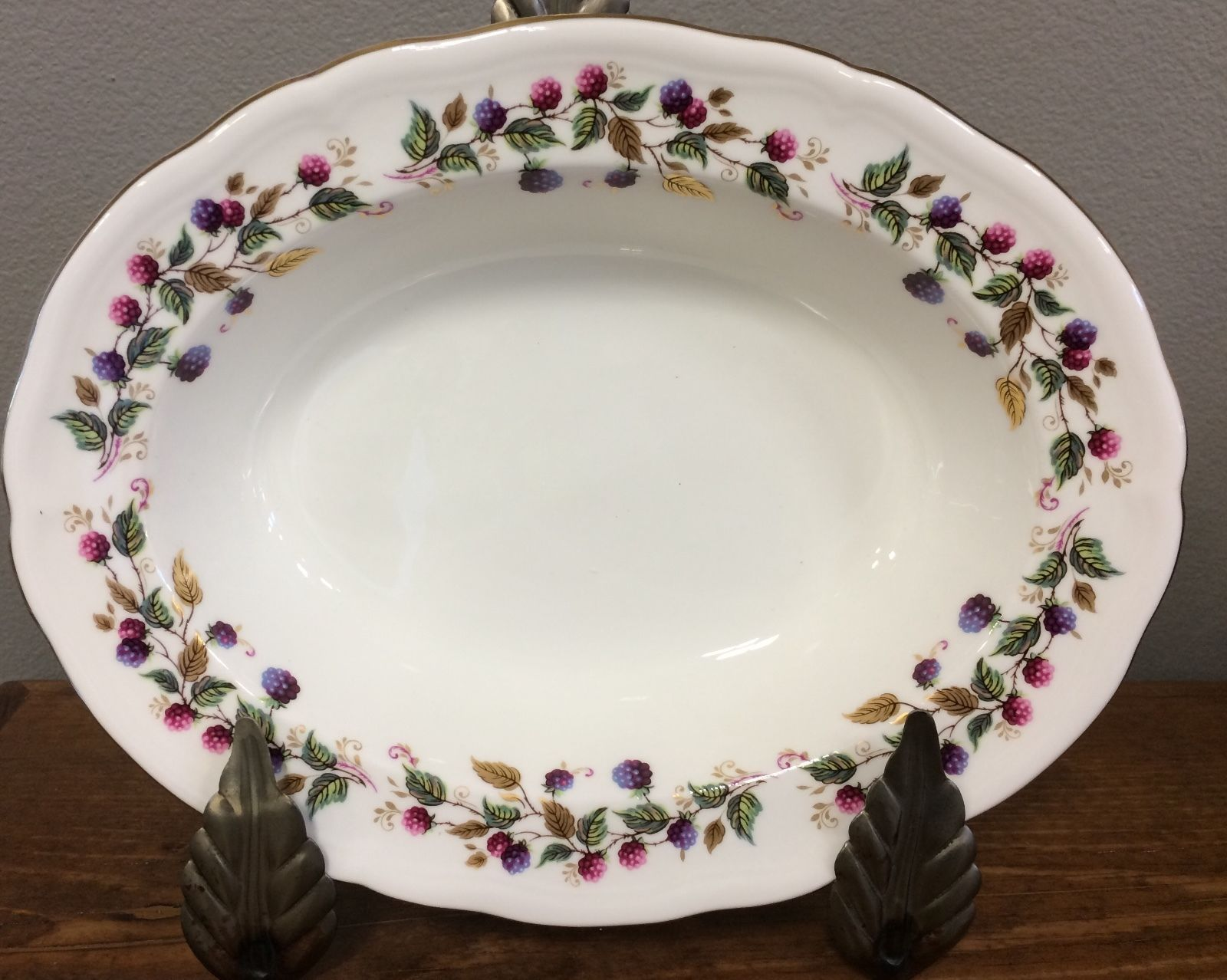 Aynsley Bramble Time Oval Serving Bowl Berries Scalloped Porcelain England RARE!