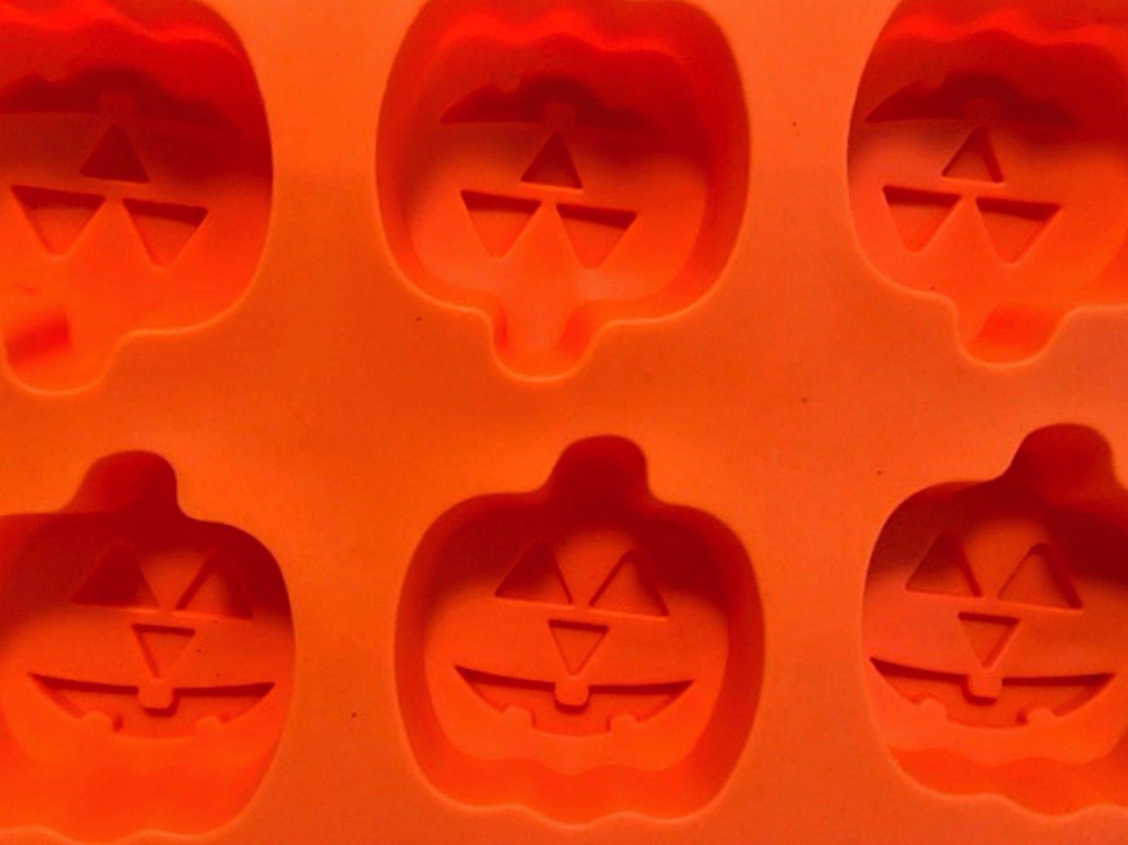 Pumpkin Jack-O-Lantern Silicone Muffin Cake Pan Six Halloween Cupcakes