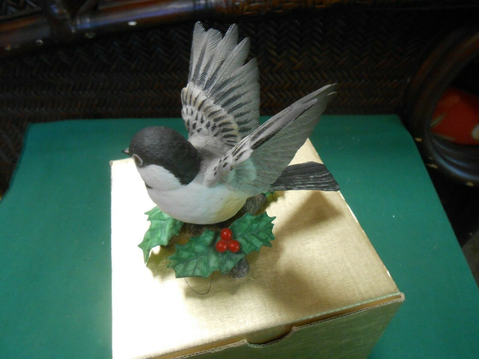 "Great  LENOX Porcelain ""CHICKADEE"" Bird Figure.....FREE POSTAGE USA"
