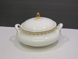 Royal Doulton Gold Lace Covered Casserole Serving Vegetable Bowl - $123.75
