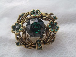 HOLLYCRAFT 1954 signed vintage gold colored brooch w emerald colored stones - $46.61