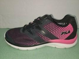 Fila Women Size 7 pink/negro - $49.49