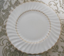 Royal Doulton Adrian Bone China Cream Scalloped Round Dinner Plate Gold ... - $15.10