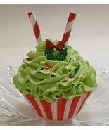 Dezicakes Grinch Holiday Fake Cupcake Decoration Prop - €3,98 EUR
