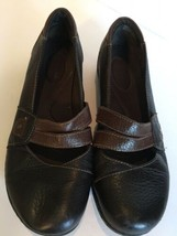CLARKS Bendables Size 7.5 Two Tone Leather Mary Jane Shoes - $30.42