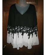 Rosegal Black & White V-Neck Layered Tiered Top with Bell Sleeves - Size 4XL - $21.77