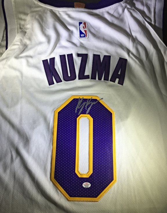 3b7e56e8b79 Img 5714808265 1522239098. Img 5714808265 1522239098. KYLE KUZMA - LOS  ANGELES LAKERS - HAND SIGNED OFFICIAL