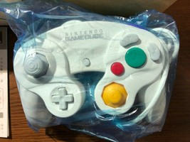 [Excellent Condition+] Nintendo Classic Gamecube Controller - White with... - $113.85