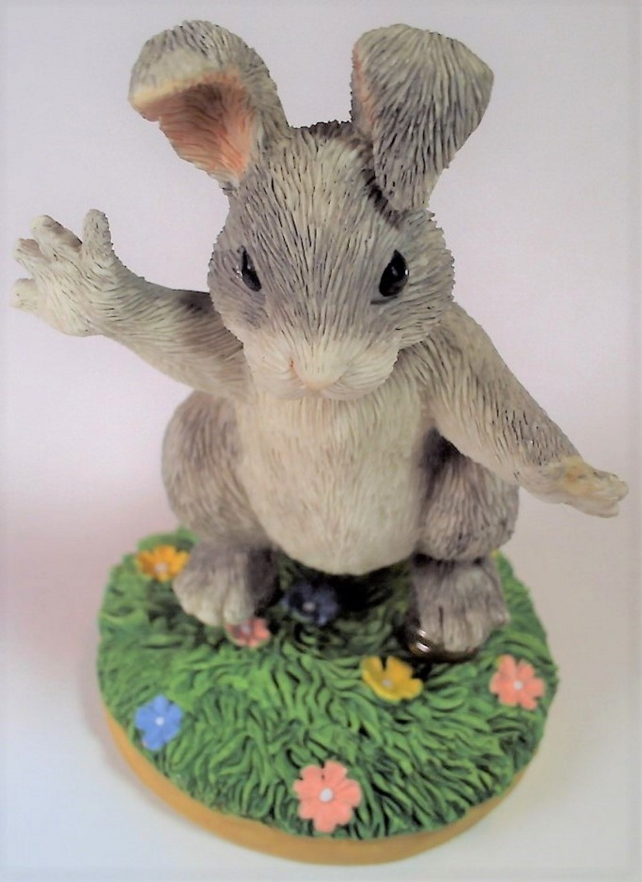Charming Tails Hoppity Hop 87/425