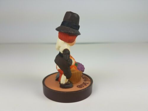Hallmark Thanksgiving Pilgrims Couple Kneeling Give Thanks Merry Miniature  image 3