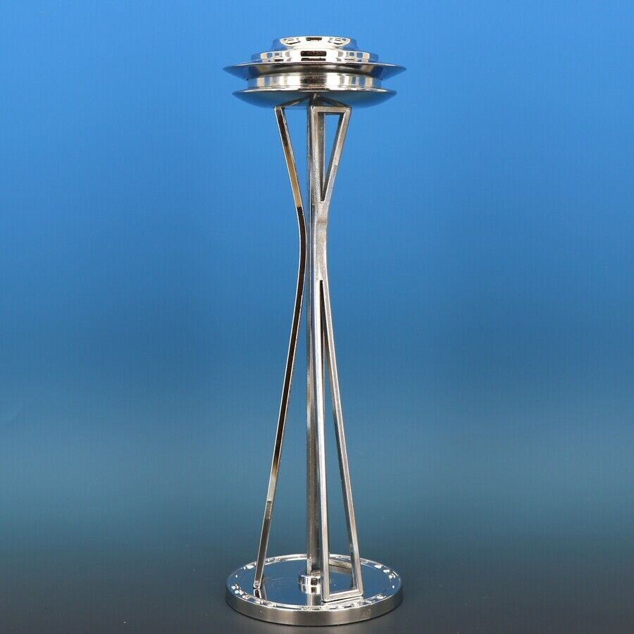 Seattle World's Fair Vance Building Space Needle Lighter nearly flawless surface