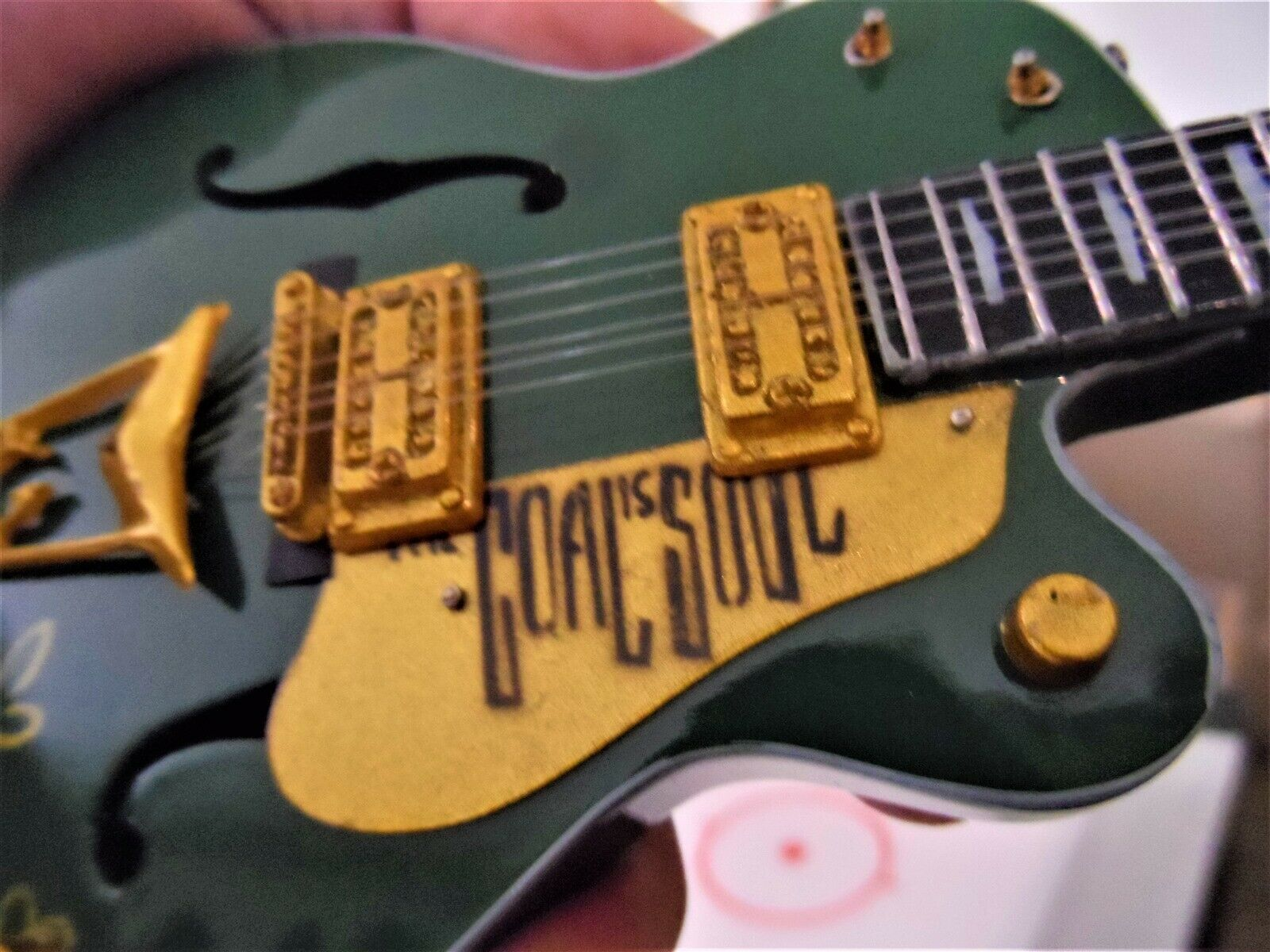 "Bono - Gretsch Irlandés Falcon G6136 el Gol Is Soul "" 1:4 Replica Escala"