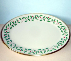 "Lenox Holiday Oval Serving Platter 13.75"" New In Box Holly Berry Motif Gold Band - $98.90"