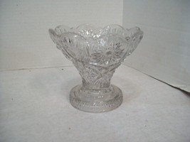 Early American Vintage Pressed Glass Pedestal Bowl Serving Dish Candy - $24.70