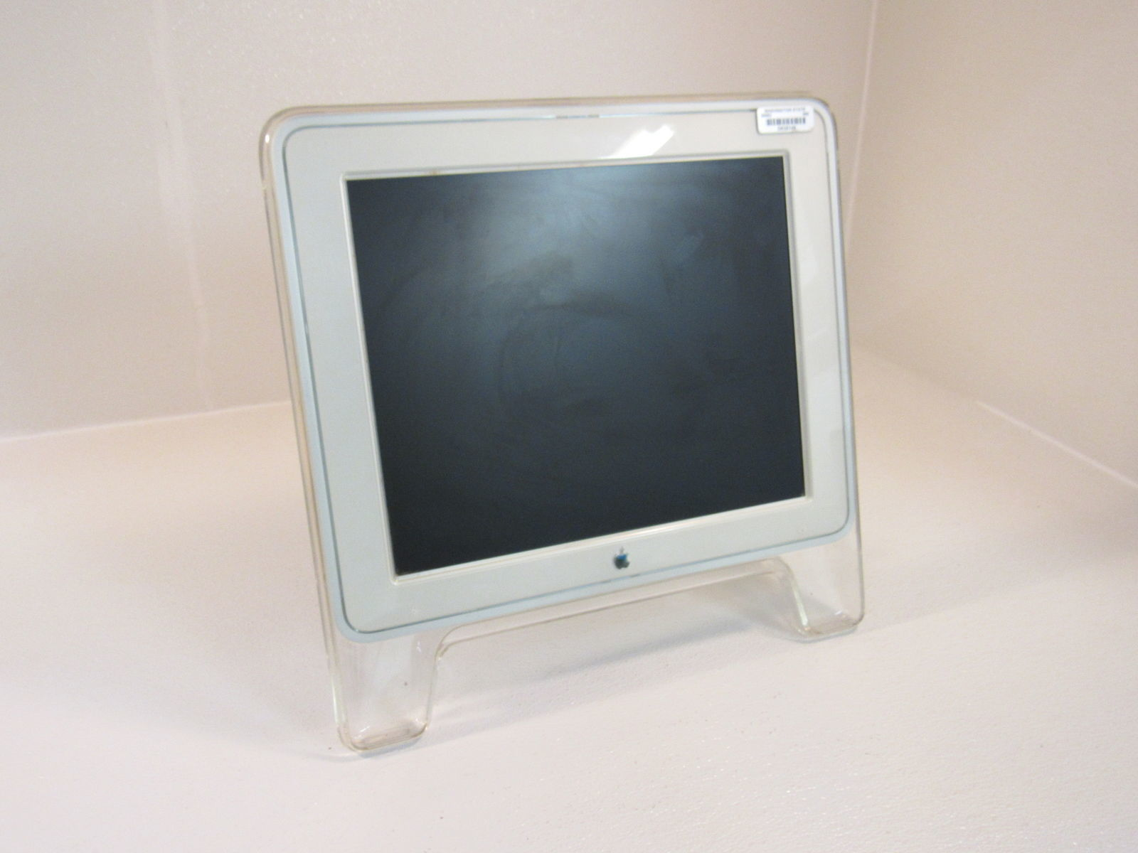 Apple 17in Studio Display Monitor LCD White/Grey Designed For Power Mac M7649