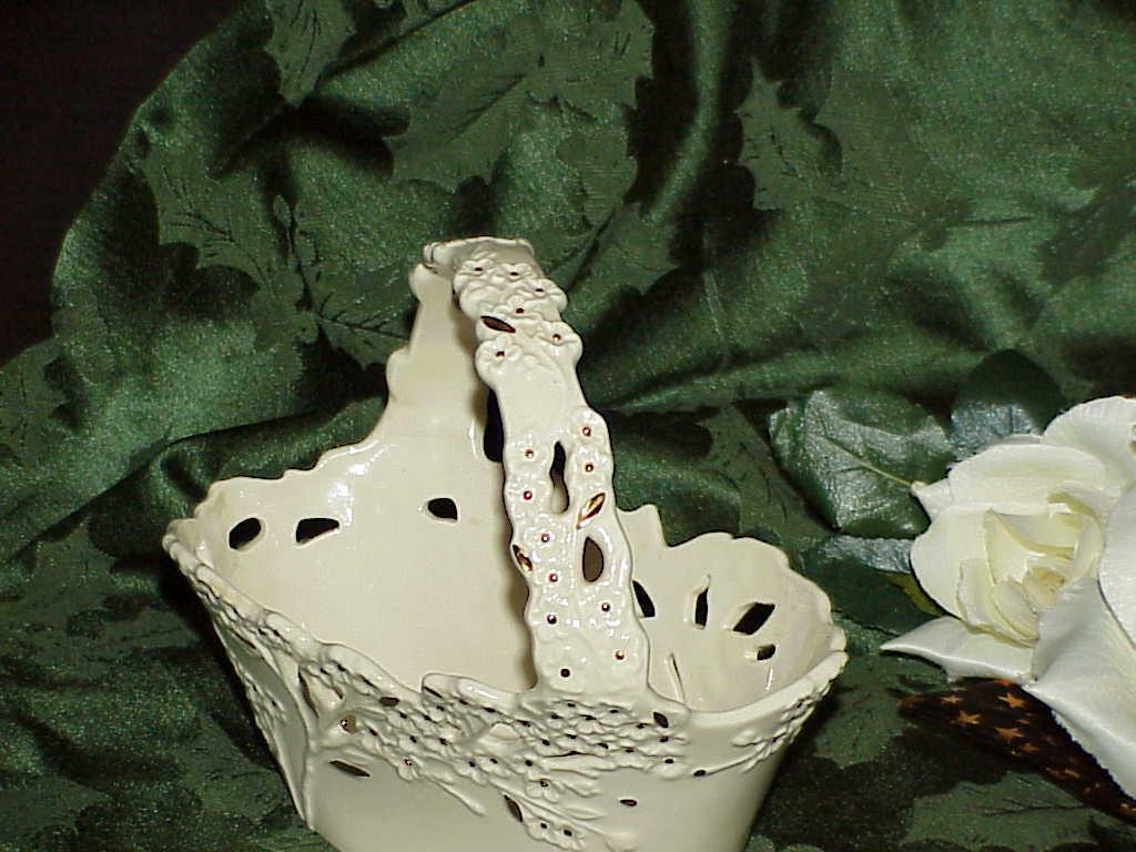 Lenox CHERRY BLOSSOM Handled Basket 24k Gold Decorations Mint Easter Basket Gift