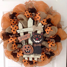 Spooky Halloween Cat With Jack O'Lantern Sitting By Fence Deco Mesh Wreath - $89.99